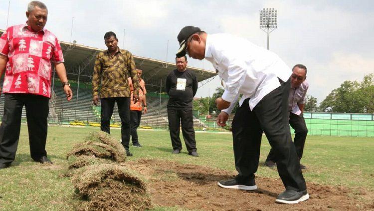 Akhyar Ikut Pantau Perbaikan Stadion Teladan
